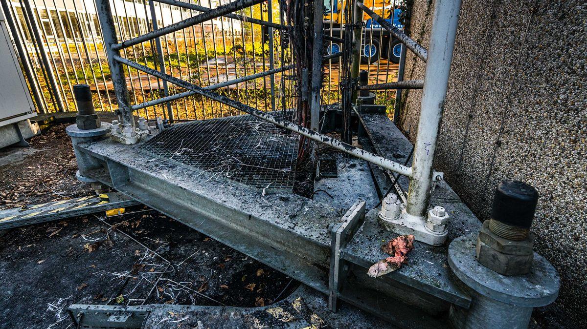 Brandanschlag auf einen Mobilfunkmast