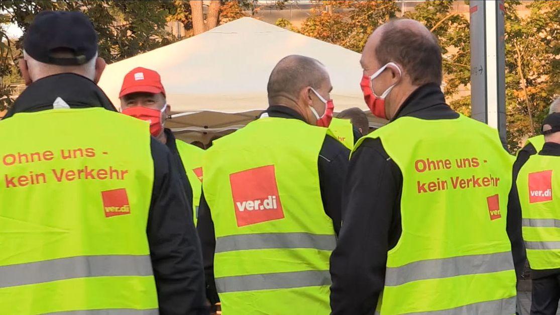 Verdi-Mitarbeiter beim Streik