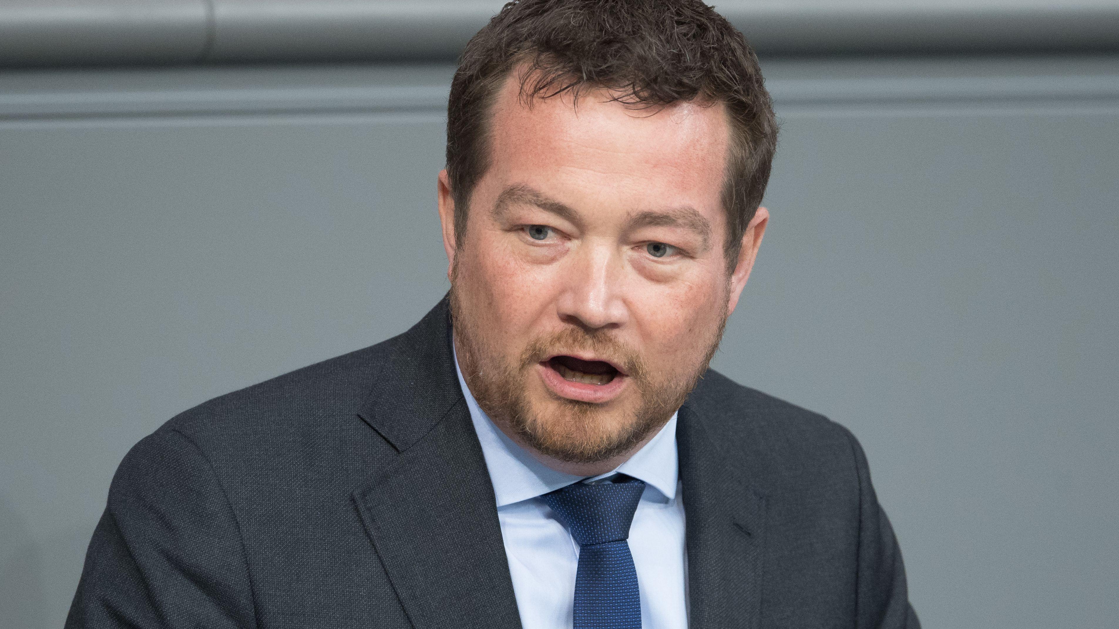 Uli Grötsch spricht im Bundestag