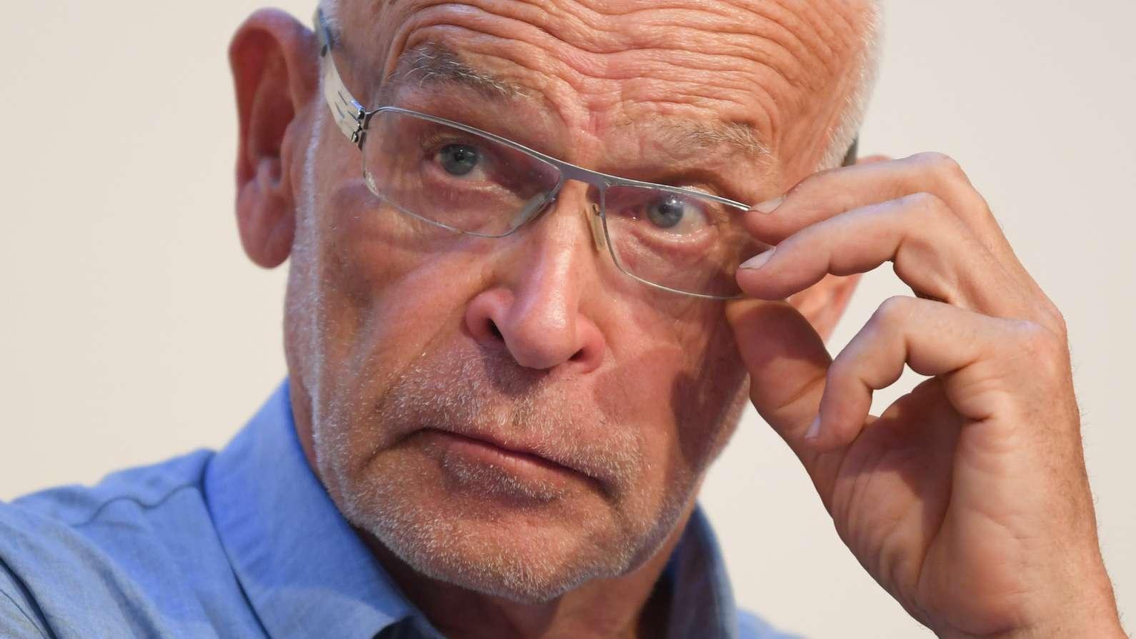 Günter Wallraff bei Fahrradsturz schwer verletzt