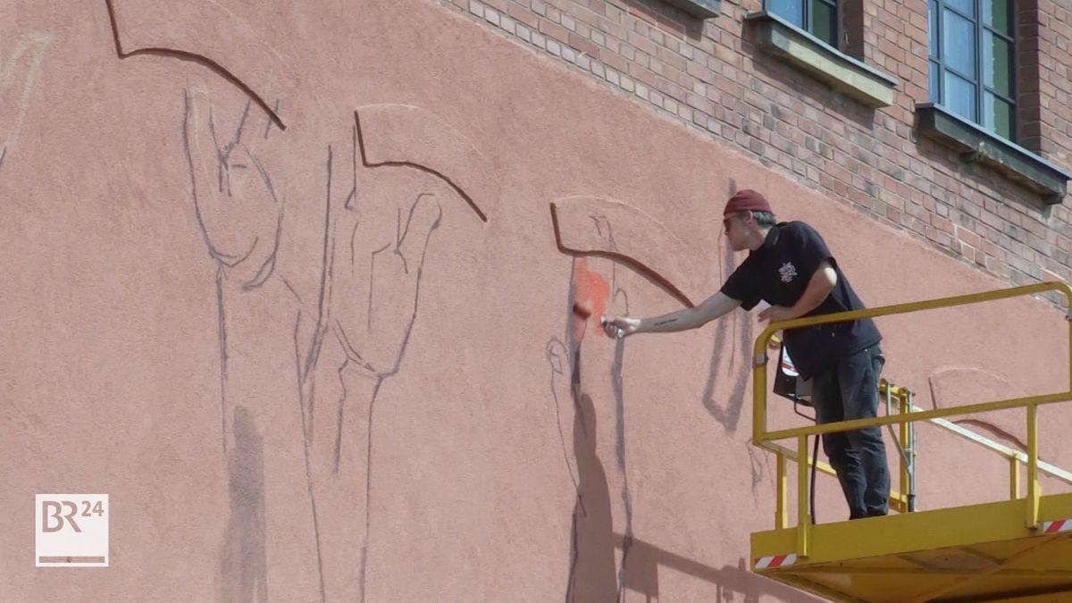 """Der Künstler """"Case Maclaim"""" seine künstlerische Arbeit am Museumswinkel gestartet"""