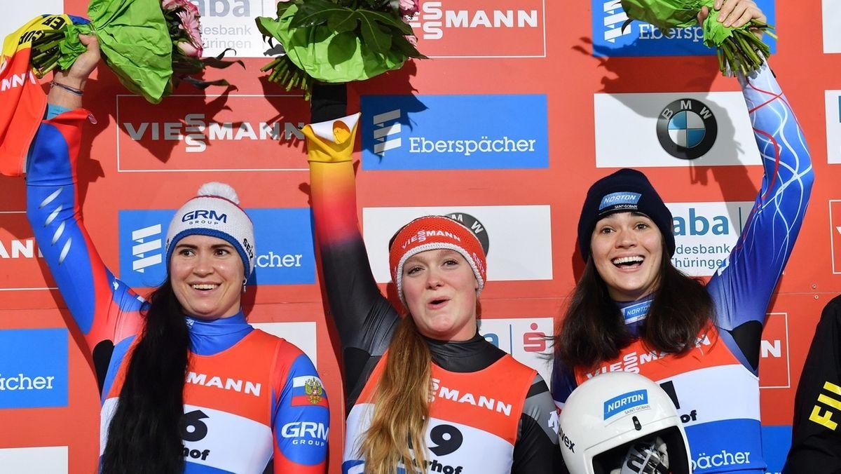 Anna Berreiter (M) bei der Siegerehrung