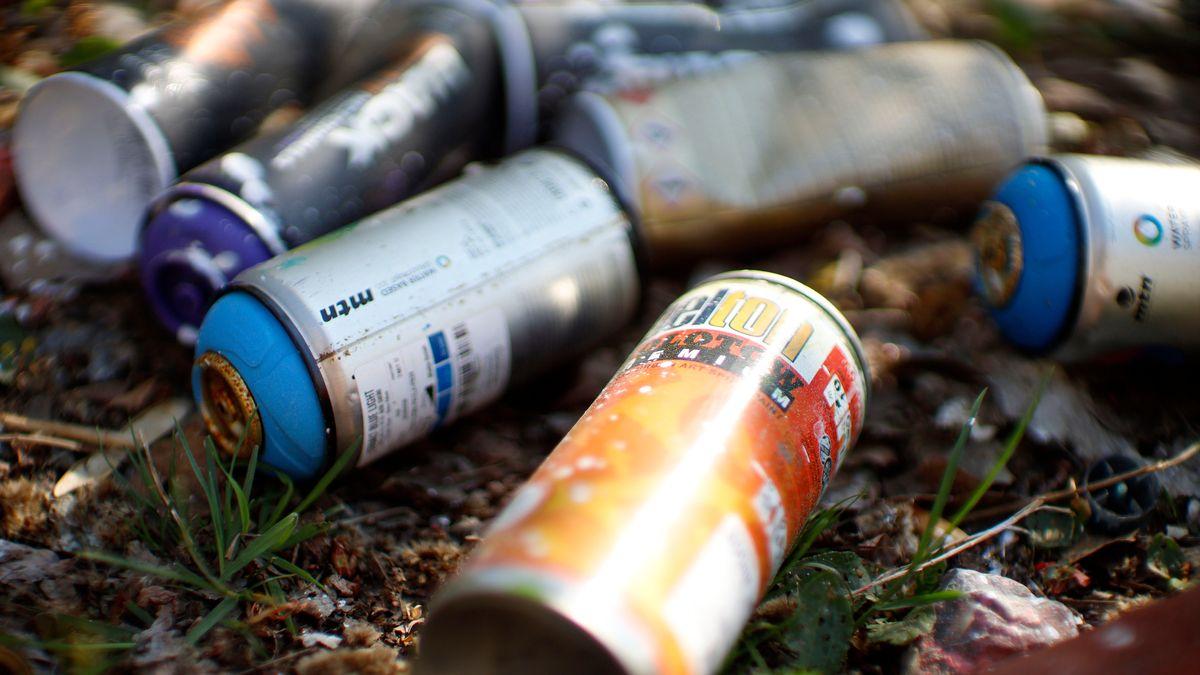 Symbolbild Spraydosen