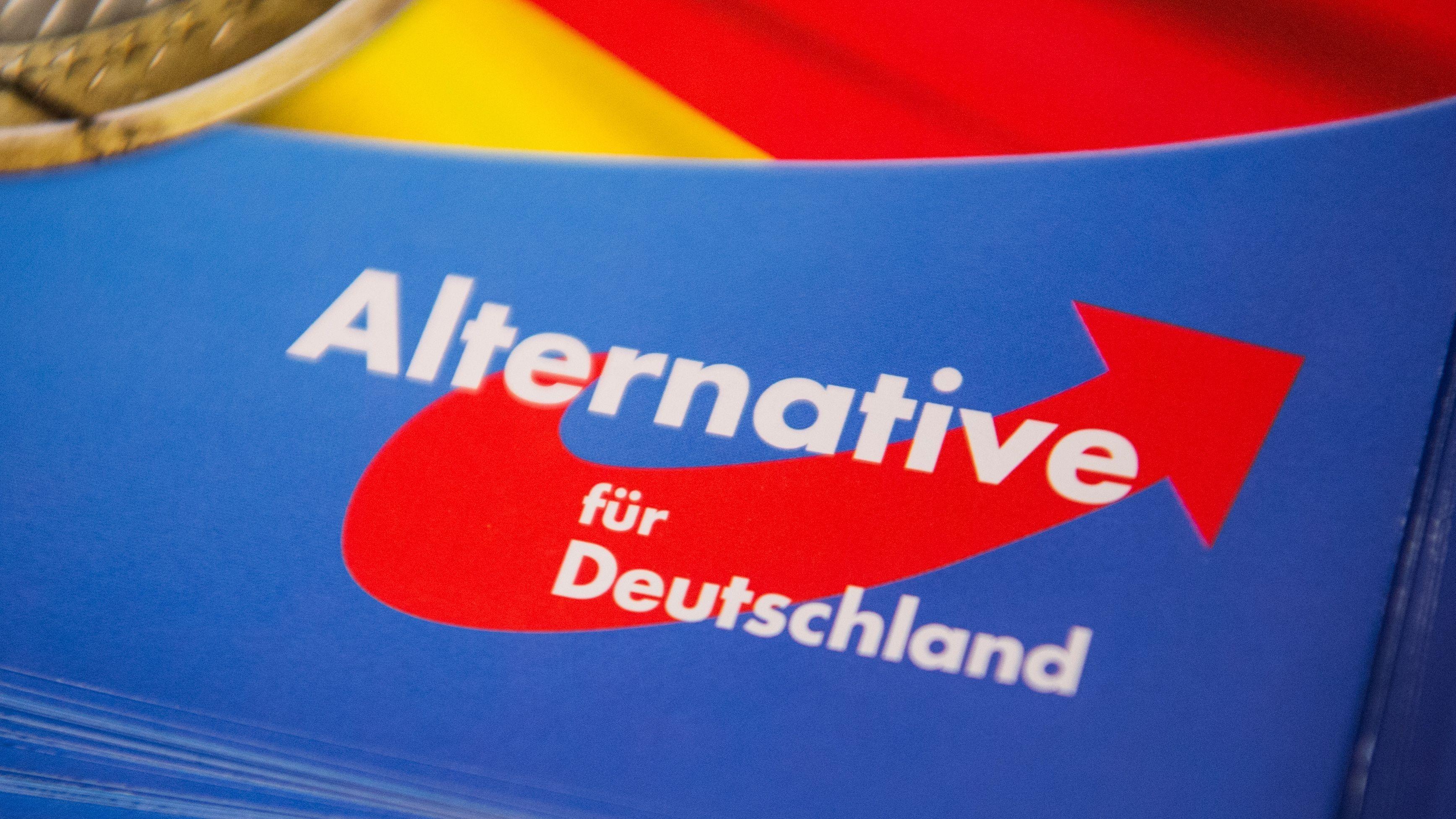 AfD-Logo auf einem Flyer.