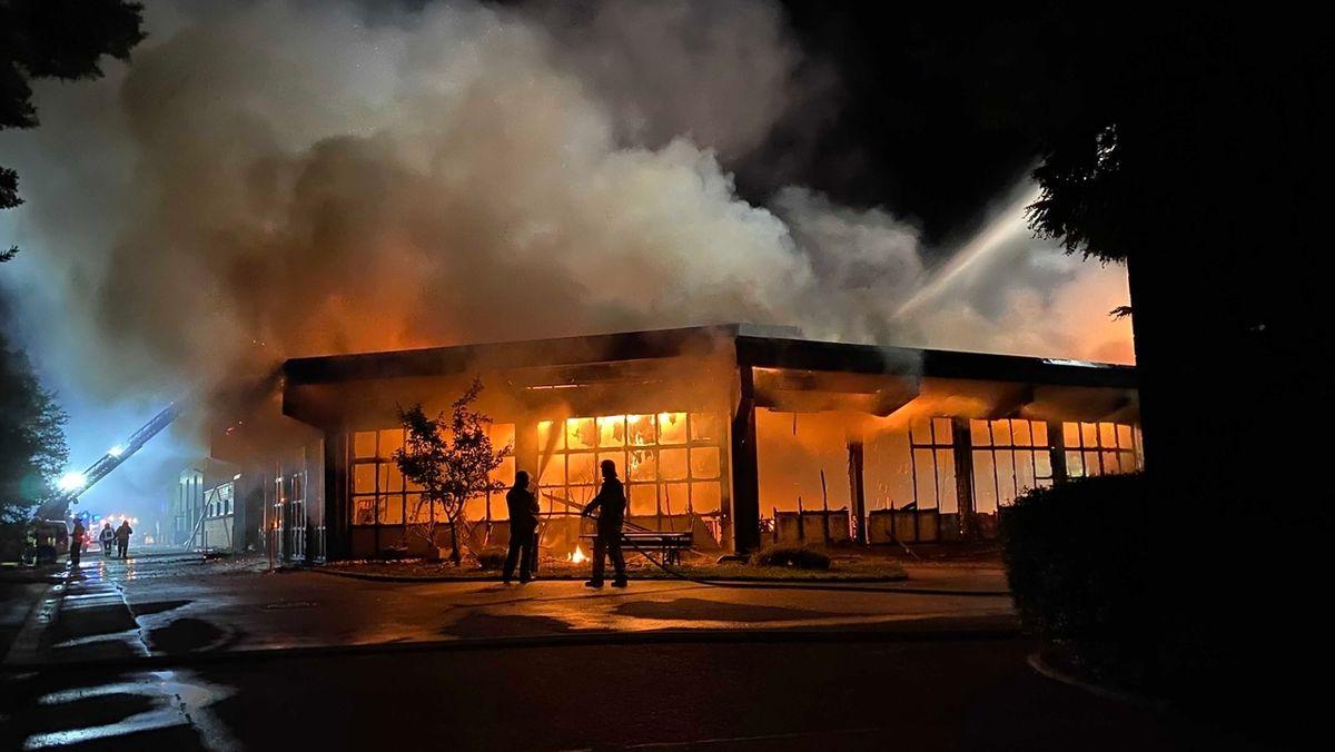 Die Behindertenwerkstatt in Bayreuth steht in Flammen