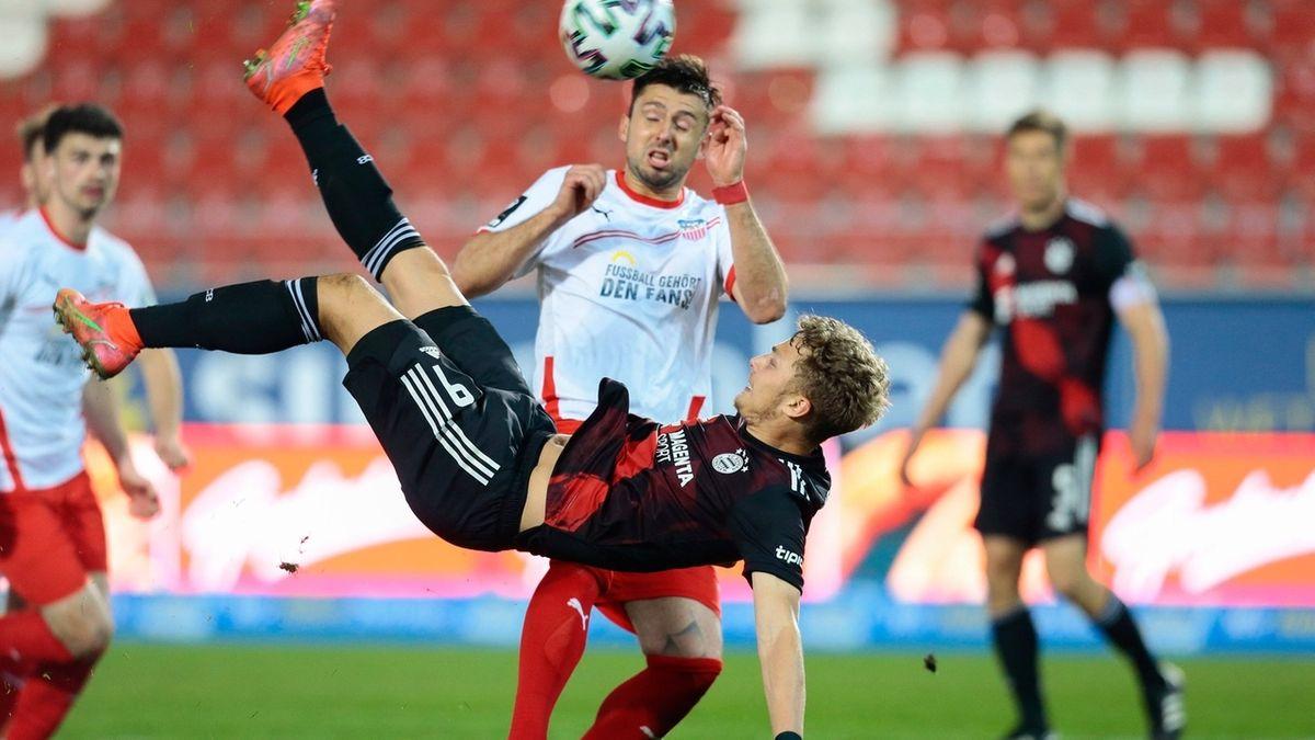 Spielszene FCV Zwickau - FC Bayern II