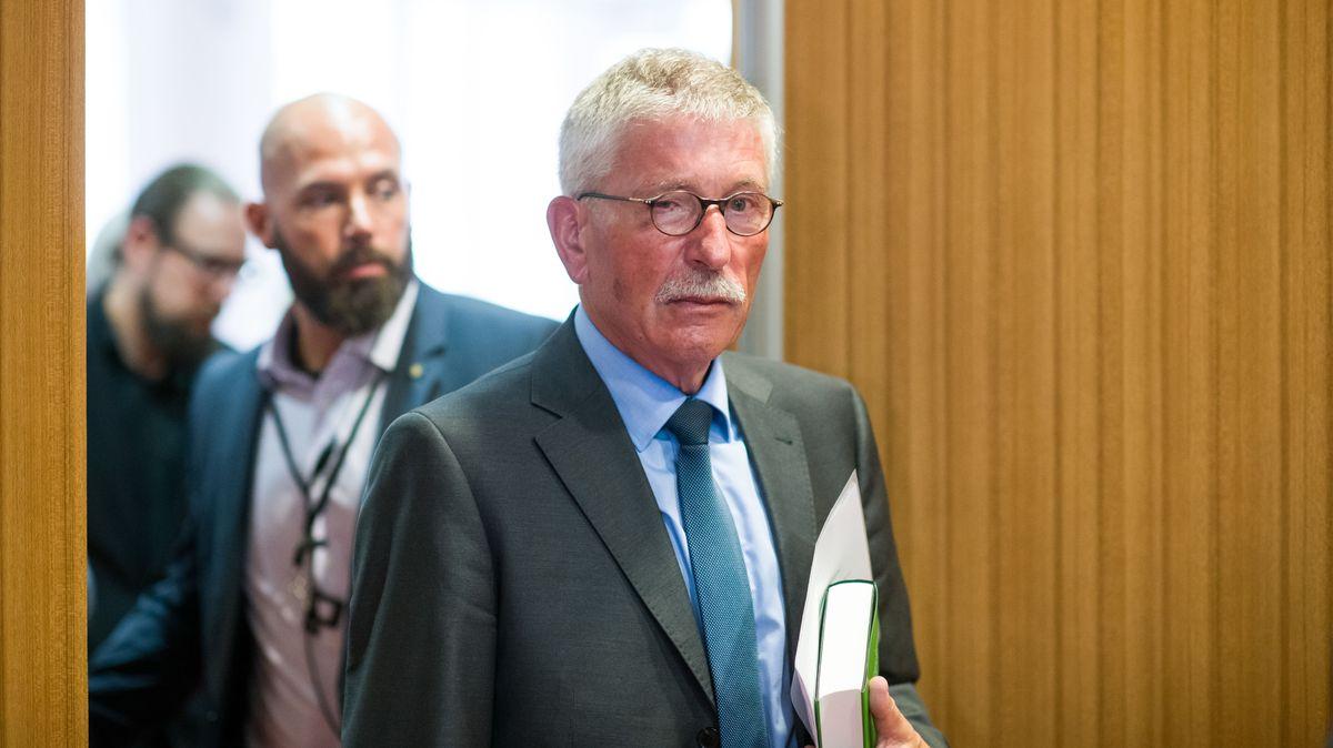 Der umstrittene Buchautor Thilo Sarrazin soll aus der SPD ausgeschlossen werden.