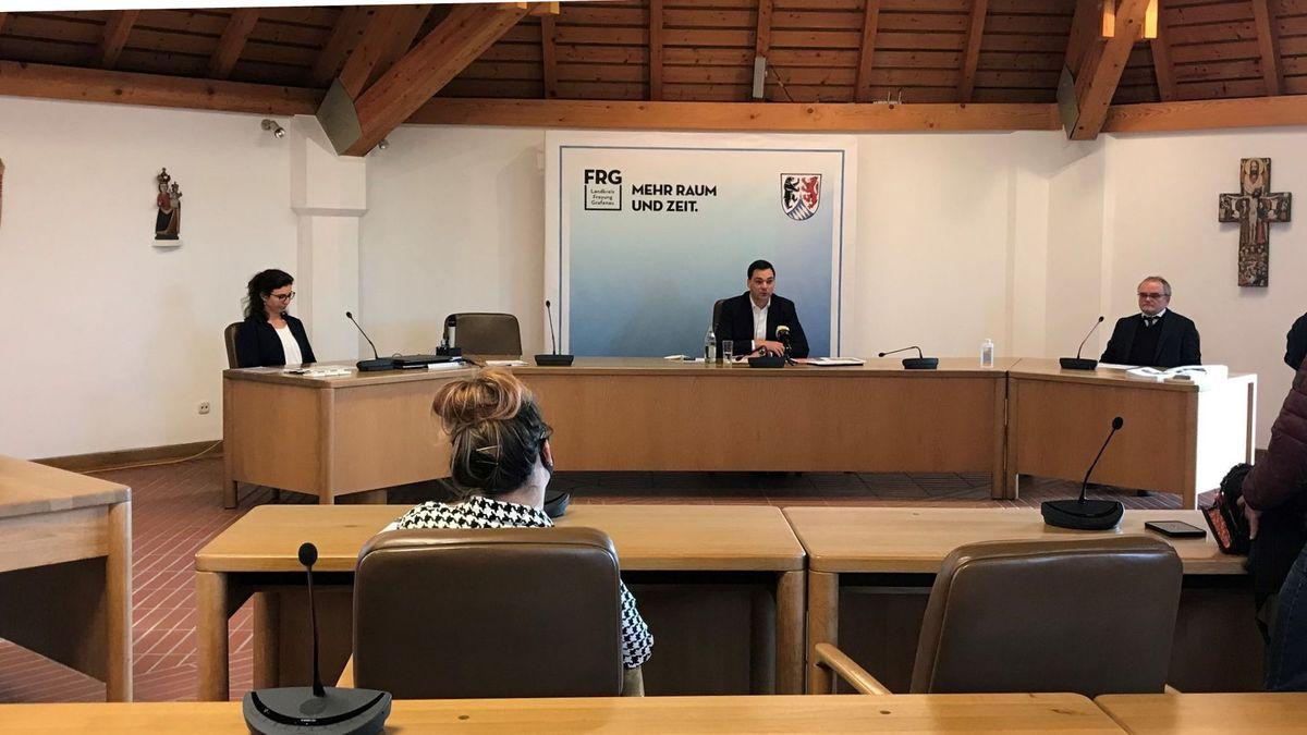 Pressekonferenz mit Landrat Sebastian Gruber am Sonntag