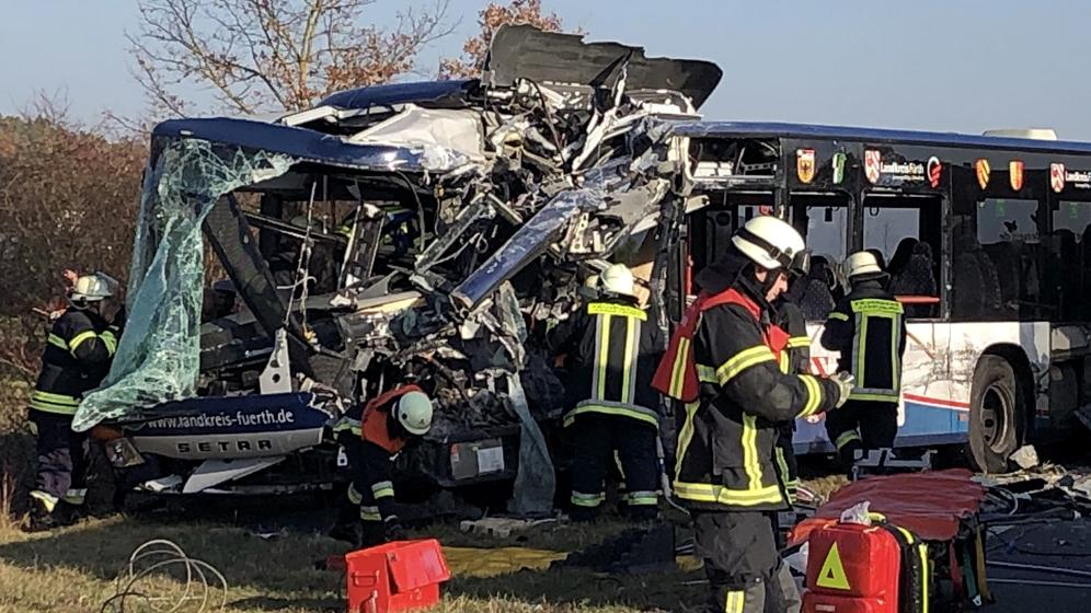 Verunglückter Bus bei Ammerndorf   Bild:picture alliance/dpa