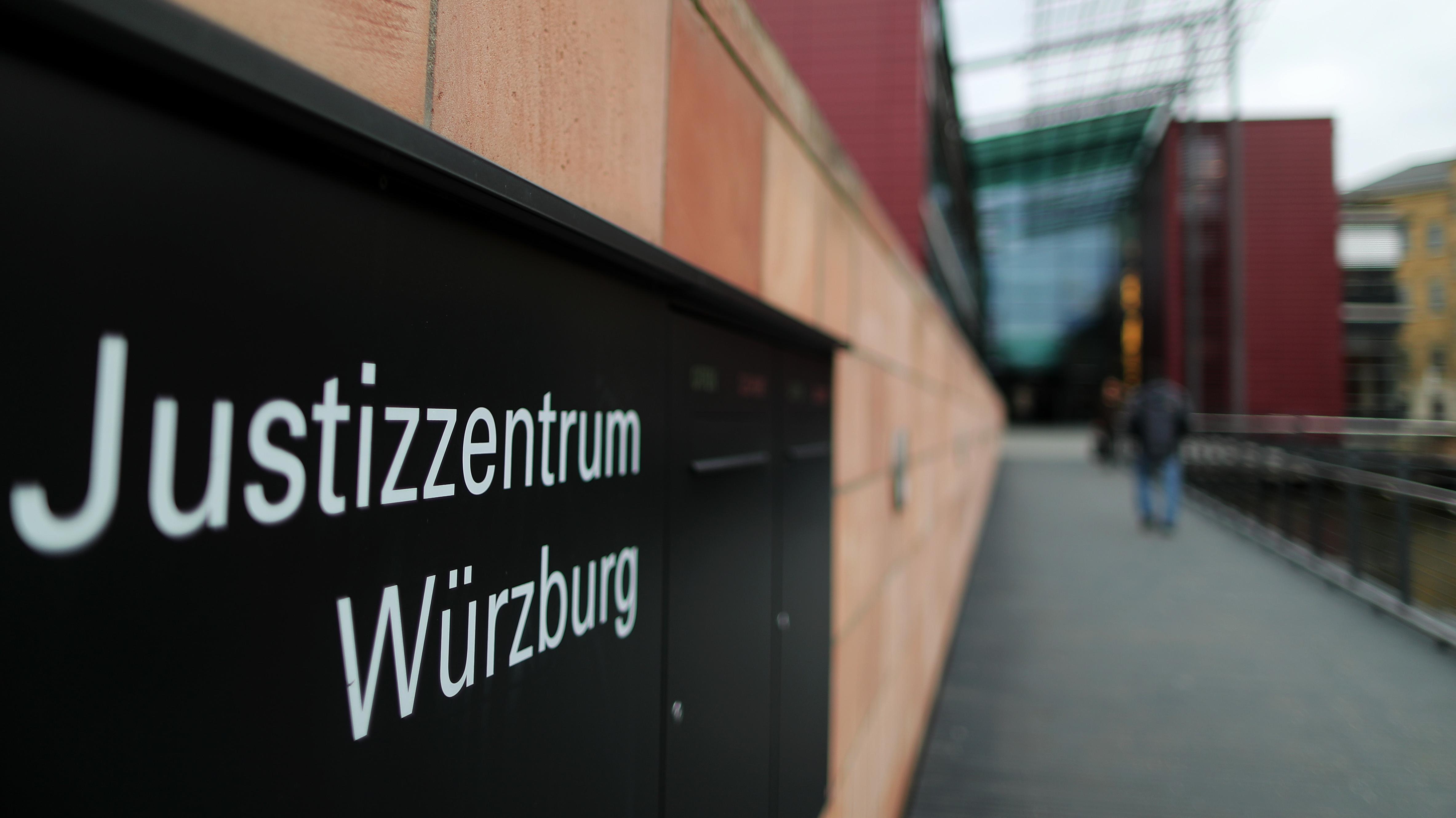 Feuerwehrmann als Brandstifter in Würzburg vor Gericht