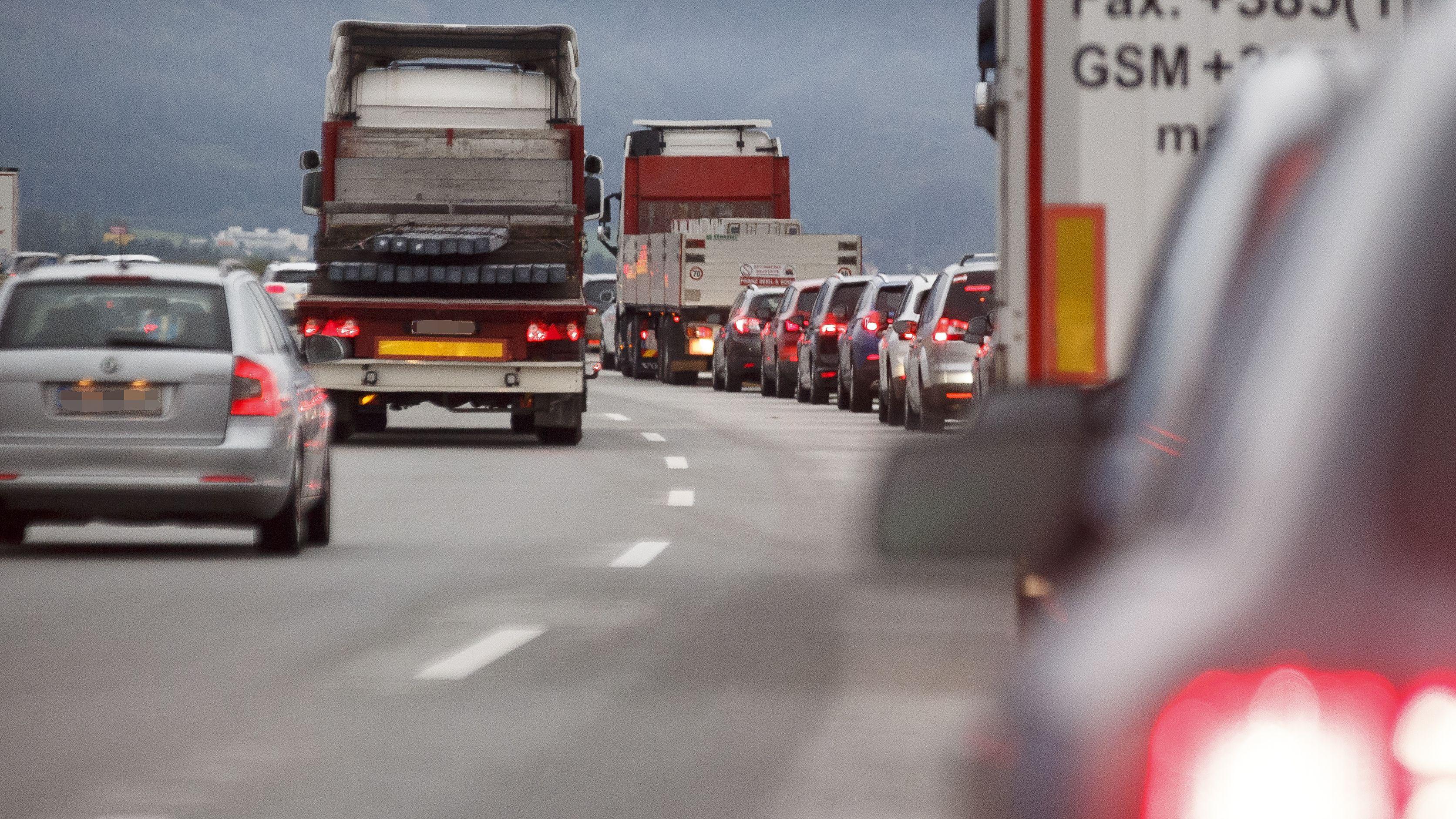 Am Wochenende müssen Autofahrer mit Staus und Verzögerungen rechnen.