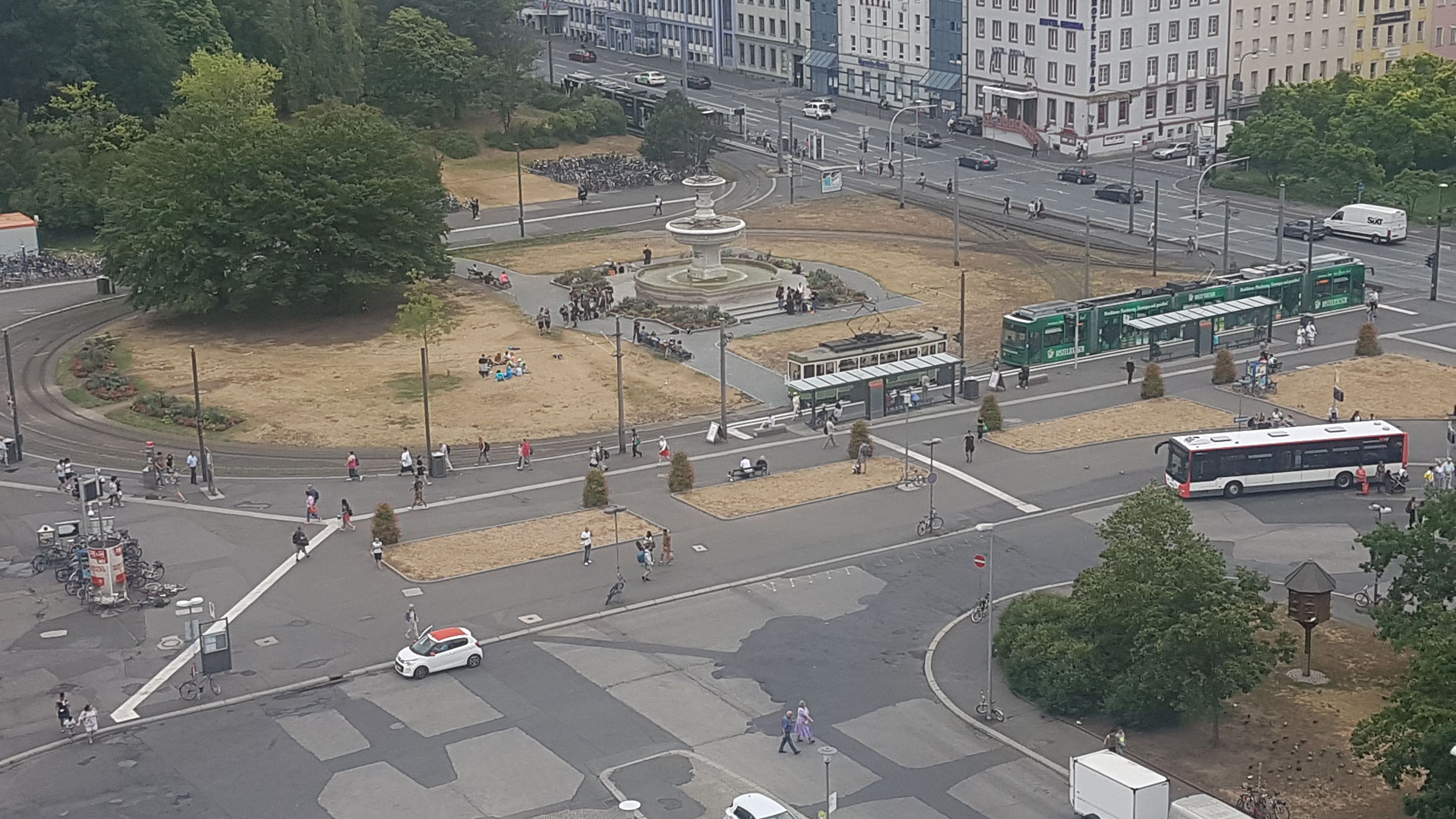 Kiliansbrunnen am Hauptbahnhof Würzburg