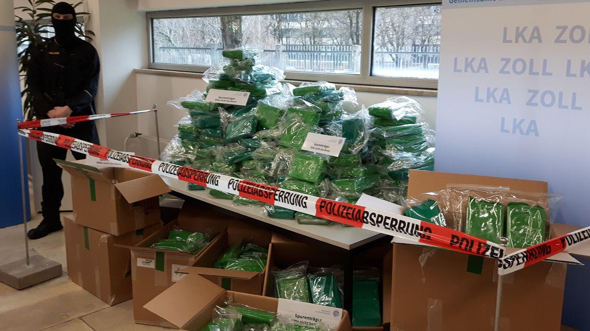 LKA zeigt riesigen Kokainfund