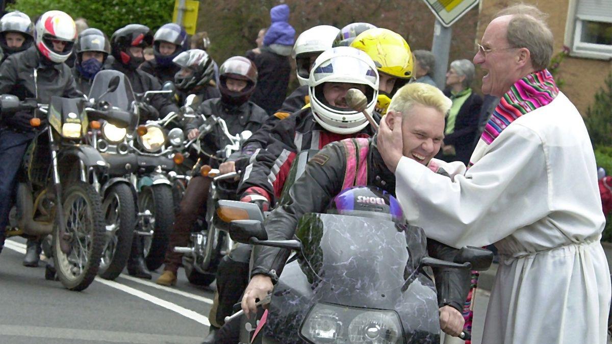 Pfarrer Breitenbach und 6.000 Biker in Schweinfurt