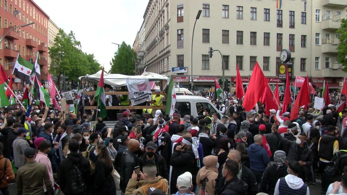 Während im Nahen Osten der Konflikt eskaliert, kommt es in Deutschland zu Demonstrationen und antisemitischen Vorfällen