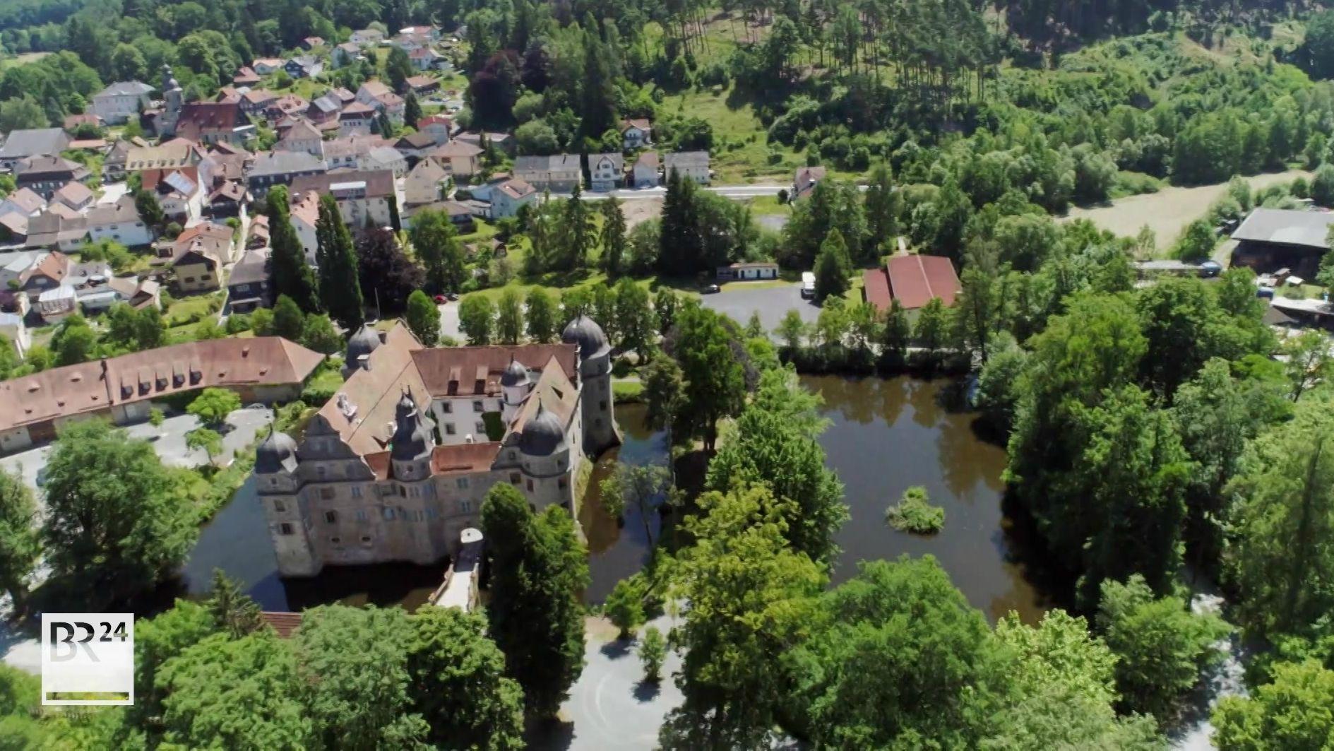 Landkreis Kronach kauft Wasserschloss Mitwitz
