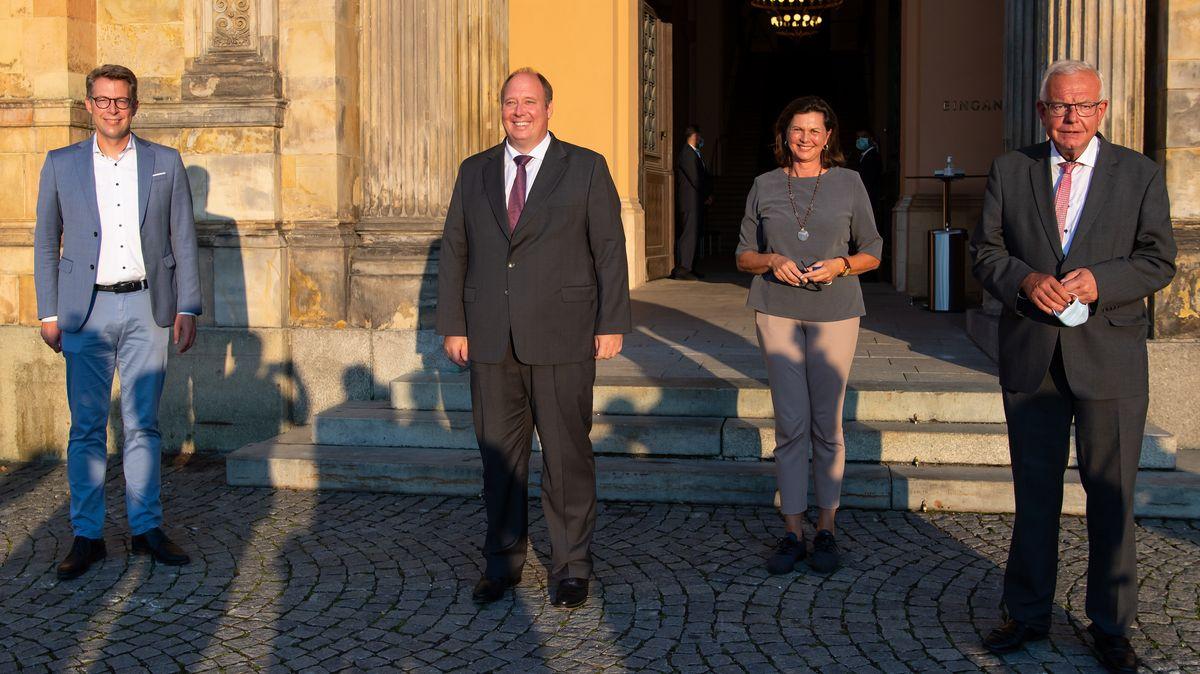 Markus Blume (l-r), CSU-Generalsekretär, Helge Braun (CDU), Chef des Bundeskanzleramtes und Bundesminister für besondere Aufgaben, Ilse Aigner (CSU), Präsidentin des Bayerischen Landtags, und Thomas Kreuzer, Fraktionsvorsitzender der CSU im bayerischen Landtag bei der Herbstklausur der CSU