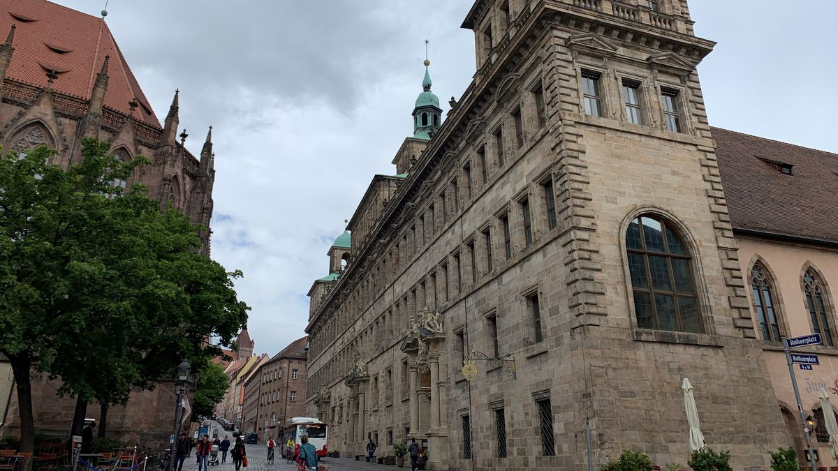 Außenansicht des Nürnberger Rathauses