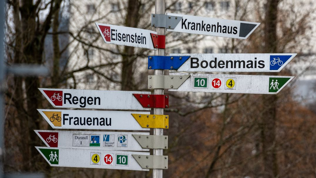 Hinweisschilder im Landkreis Regen