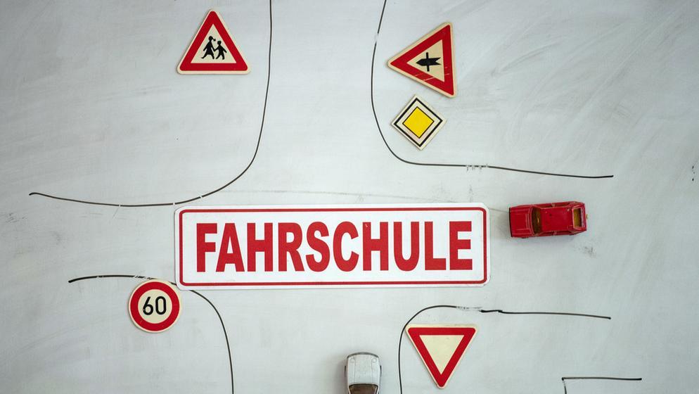Bayern gehen die Fahrlehrer aus  | Bild:picture alliance / Swen Pförtner/dpa