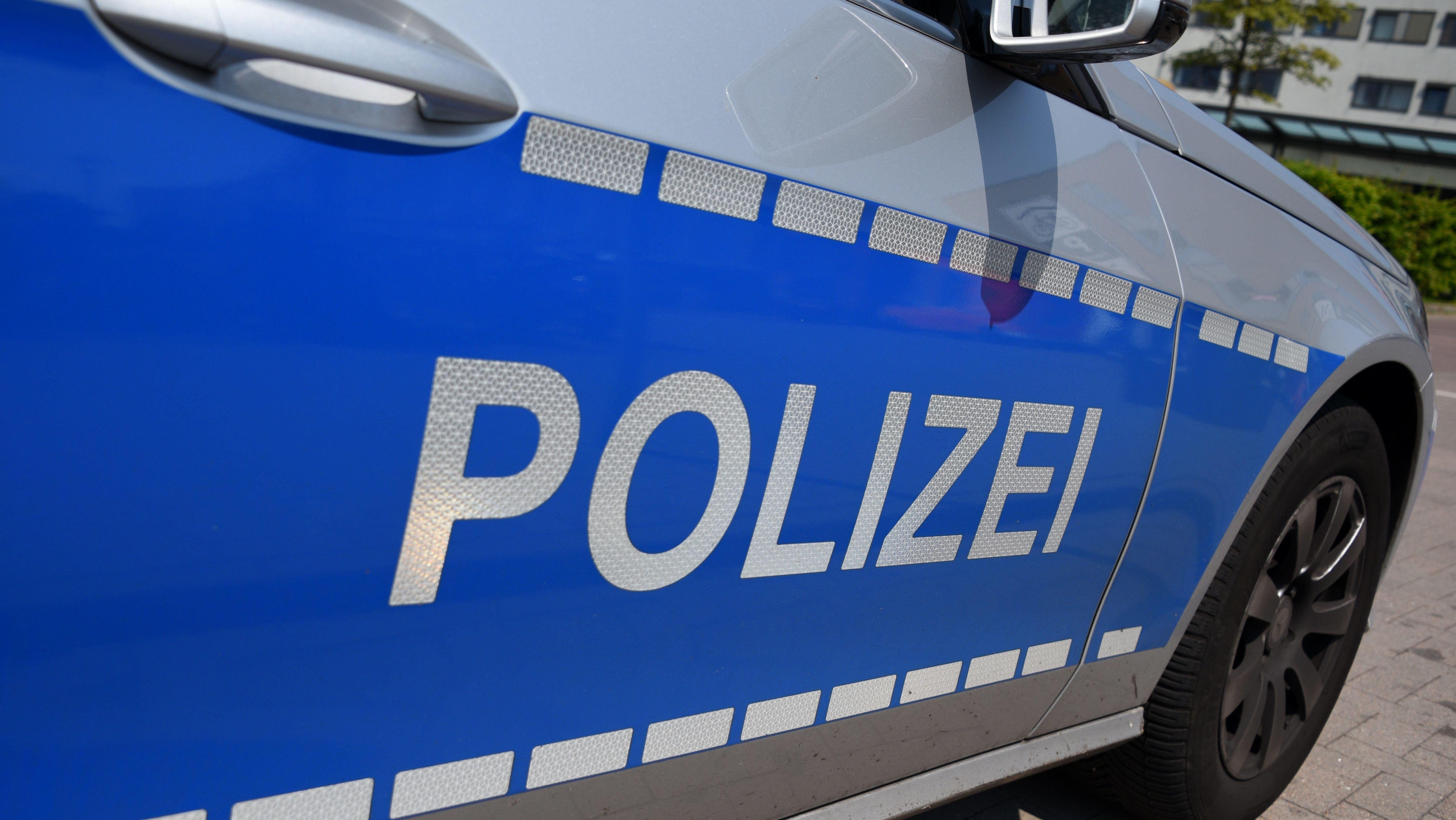 Ein Fahrzeug der Polizei (Symbolbild).