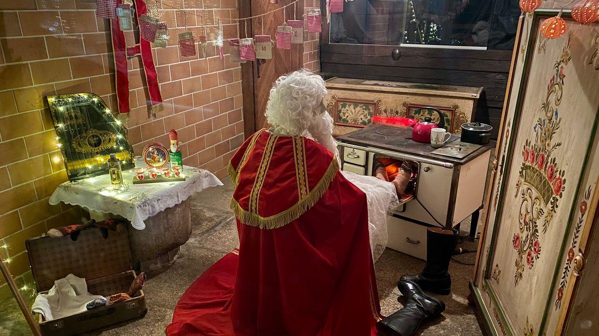 Bild von verkleidetem Weihnachtsmann