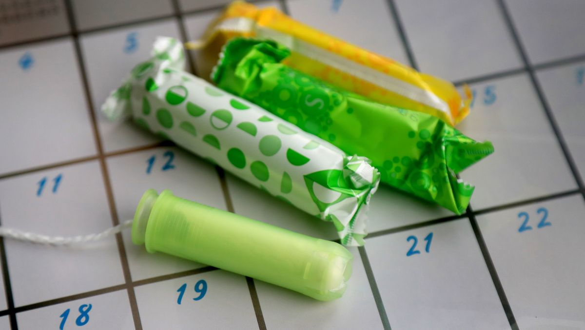 Tampons auf einem Kalender