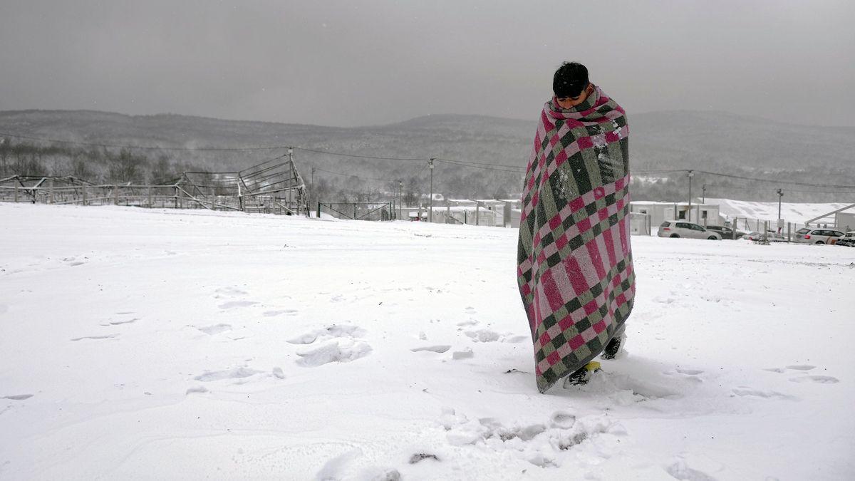 Die Flüchtlinge sind Schnee und Kälte schutzlos ausgeliefert.
