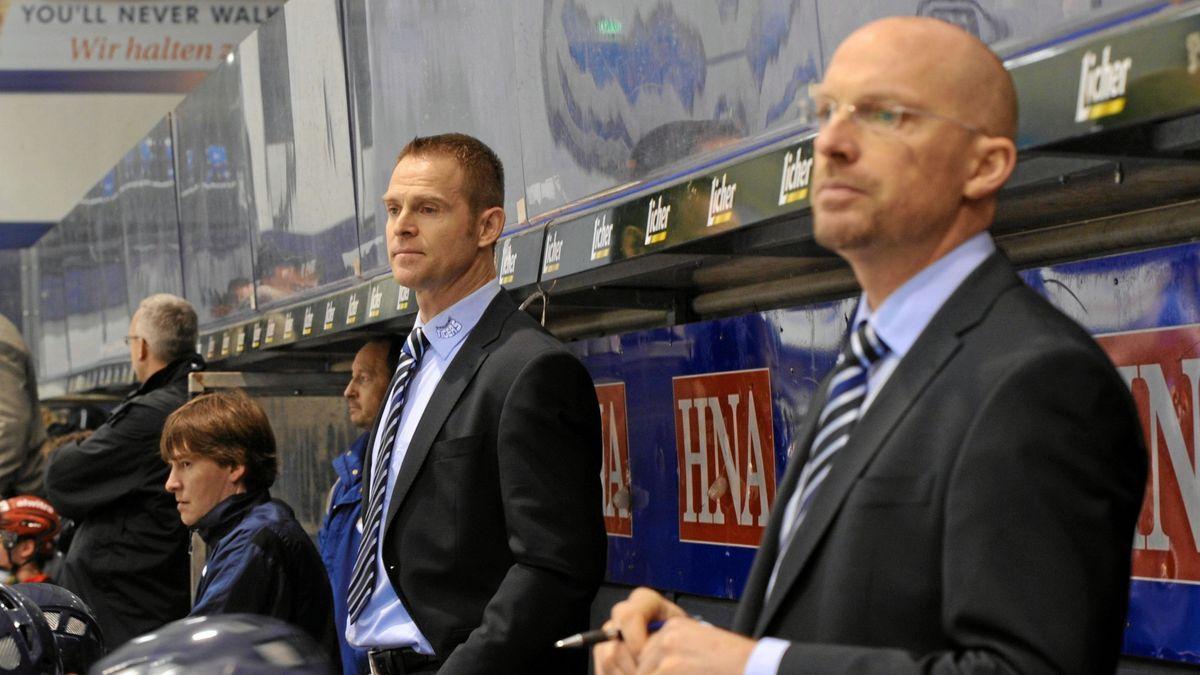 Straubings Trainer Jason Dunham (rechts) bei einem Spiel