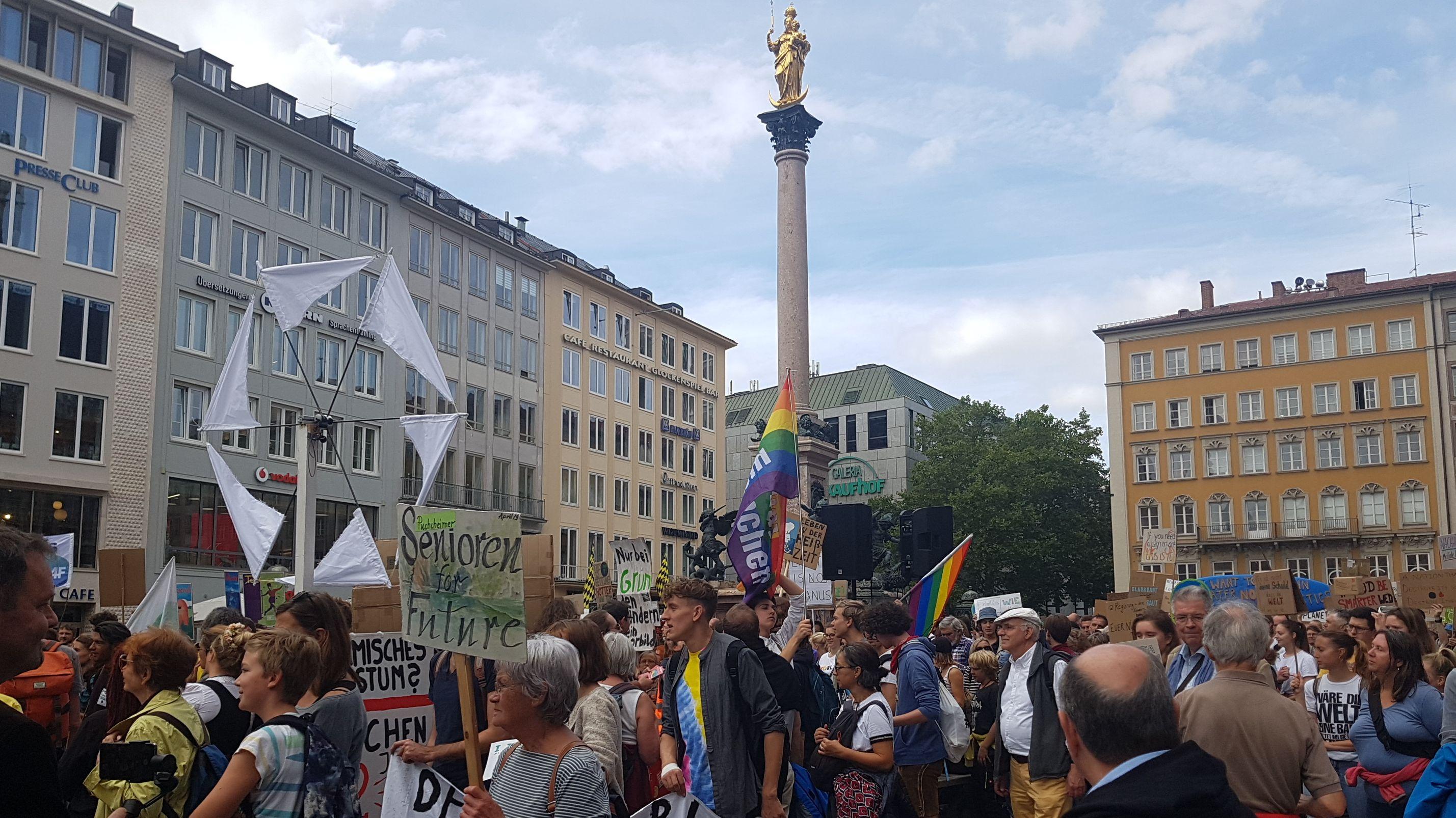 Fridays for Future-Demo auf dem Marienplatz in München
