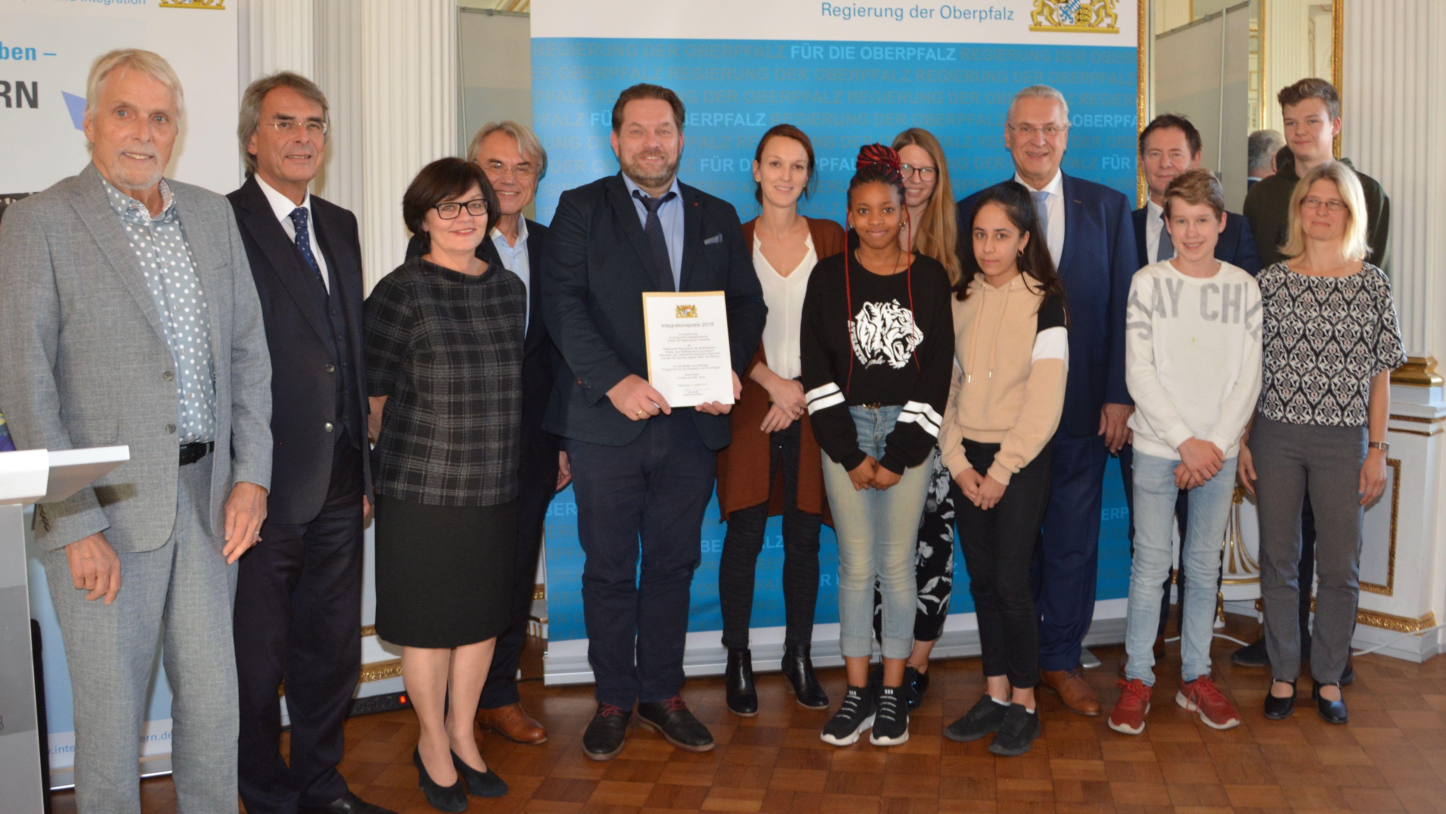 Ein Preis ging an die Mittelschule und das Gymnasium in Neumarkt.