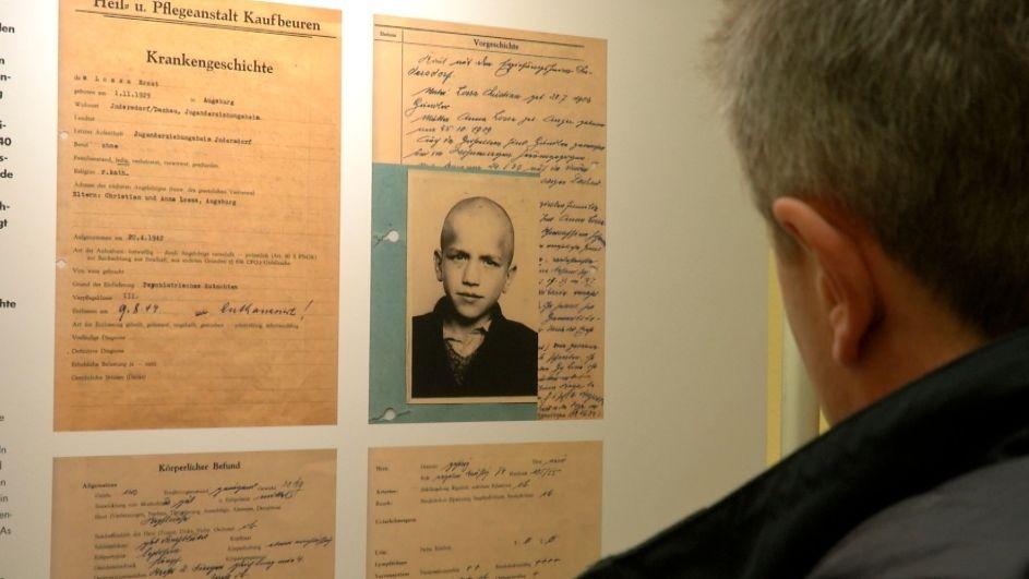 Das Schicksal von Ernst Lossa, der von den Nazis ermordet wurde, in der Ausstellung.