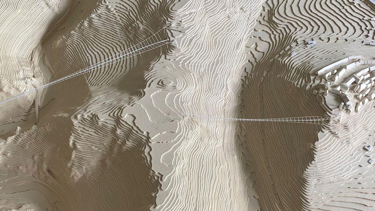 Ein Landschaftsmodell zeigt die Frankenwaldbrücken und ihre Umgebung.