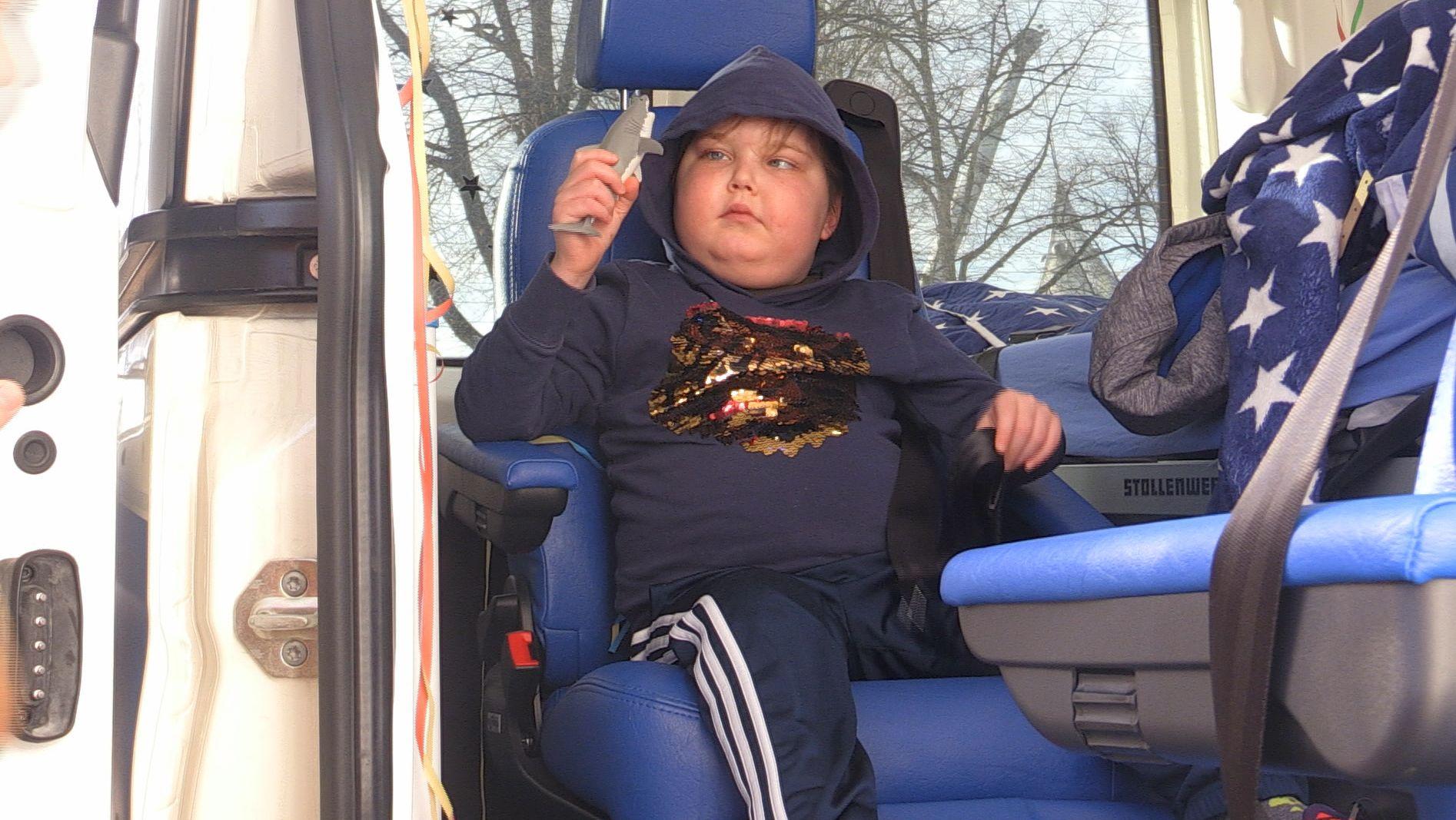 Oskar fährt mit dem Wünschewagen ins SeaLife.