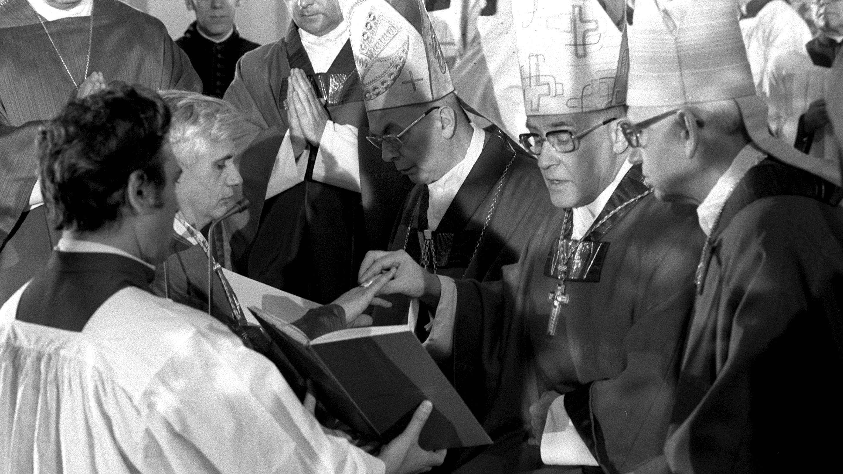 Bischofs Josef Stangl bei der Weihe von Joseph Ratzinger zum Bischof