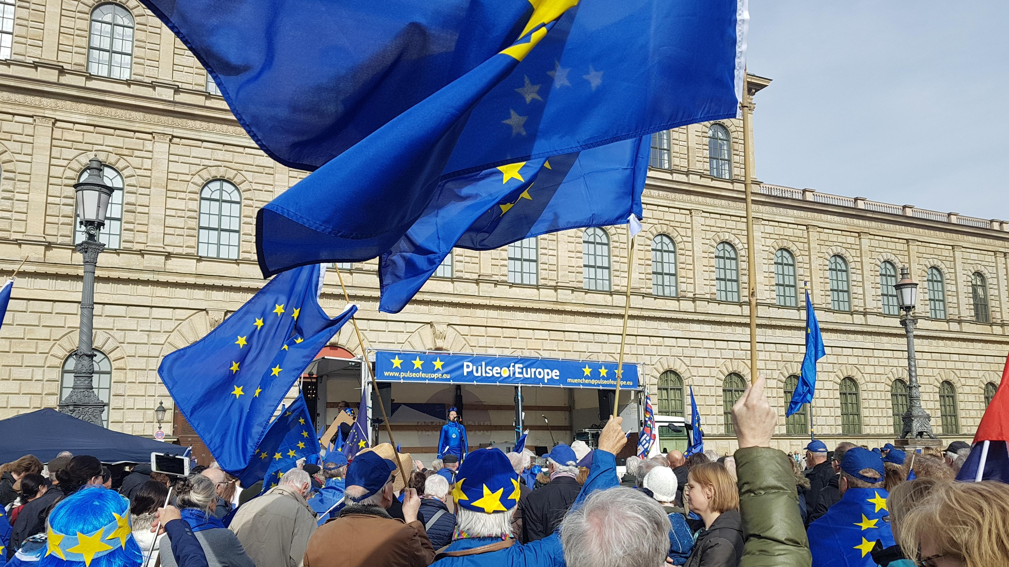 Pulse of Europe-Demo am 3. März in München.