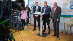 """Ab Freitag will Ministerpräsident Söder mit den Freien Wählern über eine """"Bayern-Koalition"""" verhandeln   Bild:Lino Mirgeler/dpa"""