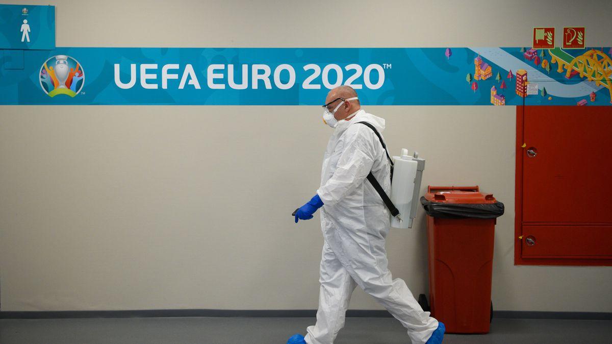 EM als Pandemietreiber: Die Schutzmaßnahmen und Regelungen für Stadien und Fanmeilen wurden vielfach kritisiert.