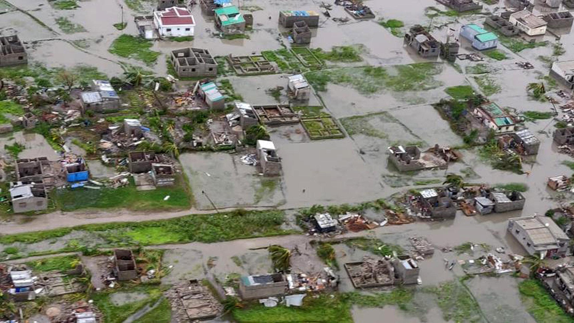 Luftaufnahme der überfluteten Stadt Beira in Mosambik