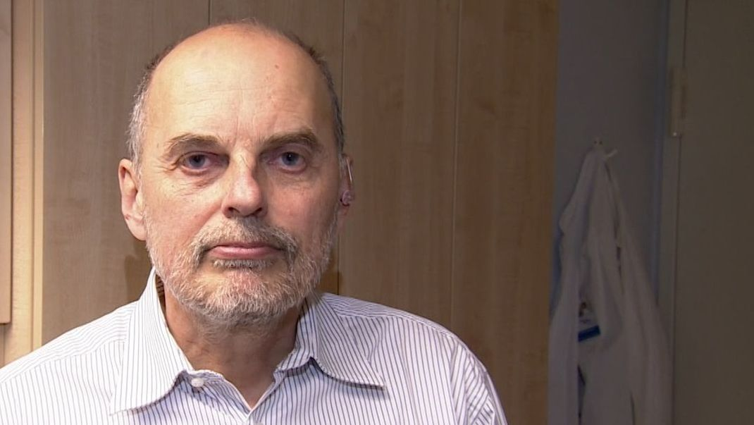 Infektiologe Bernd Salzberger vom Uniklinikum Regensburg