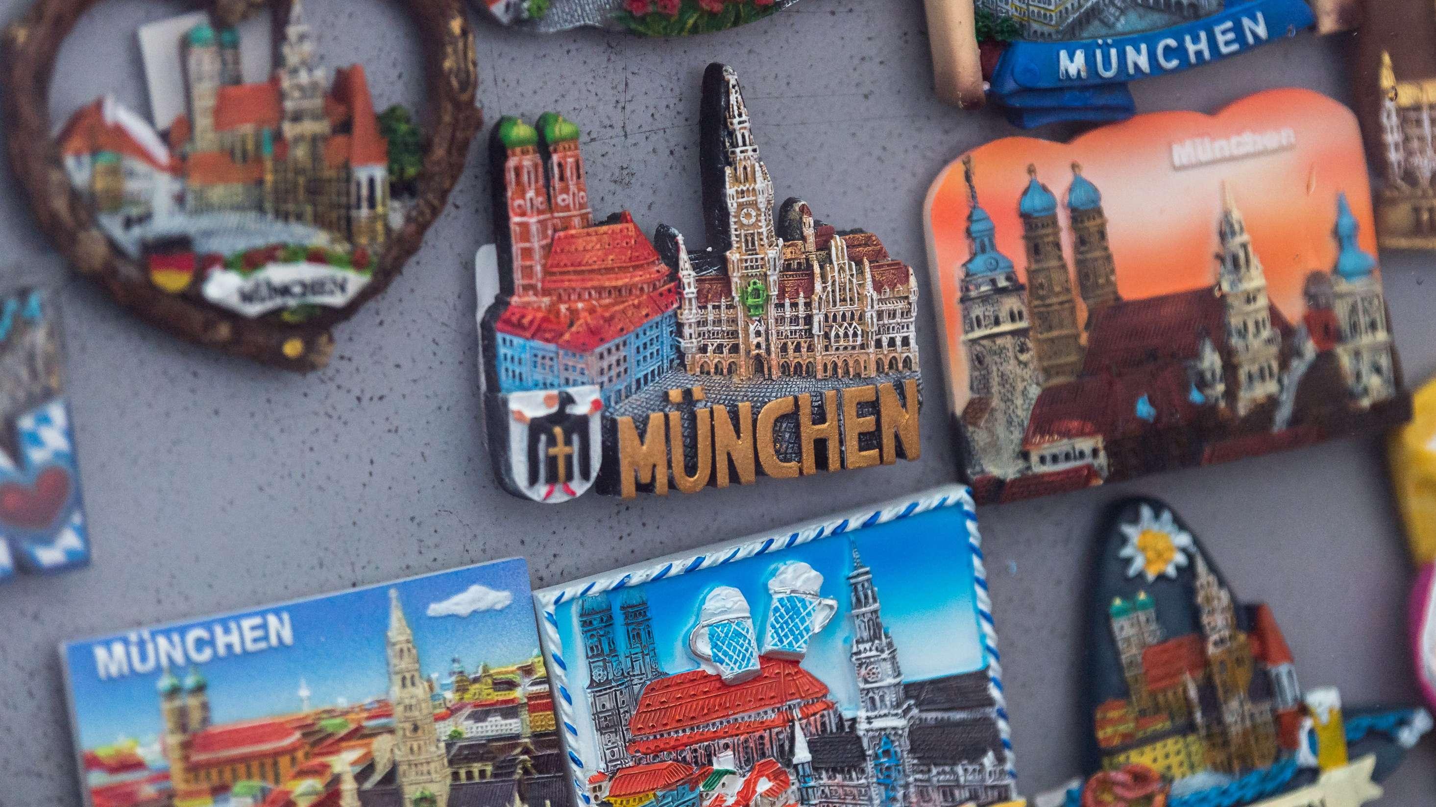 Magnete in einem Geschäft in der Innenstadt Münchens