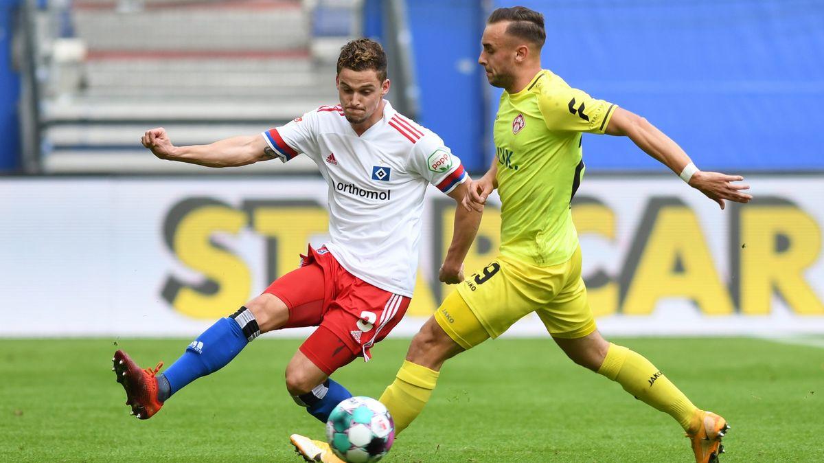Spielszene Hamburger SV - Würzburger Kickers