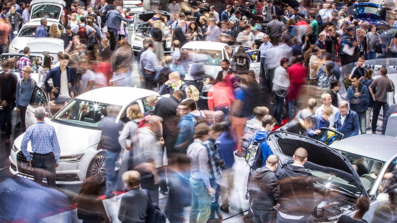 IAA: In Zukunft drängen sich die Menschen nicht mehr in Frankfurt, sondern in München um die neuen Automobile.