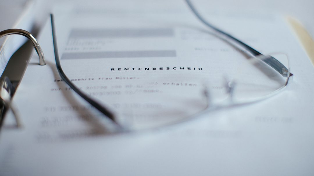 Der Rentenbescheid in einem Ordner