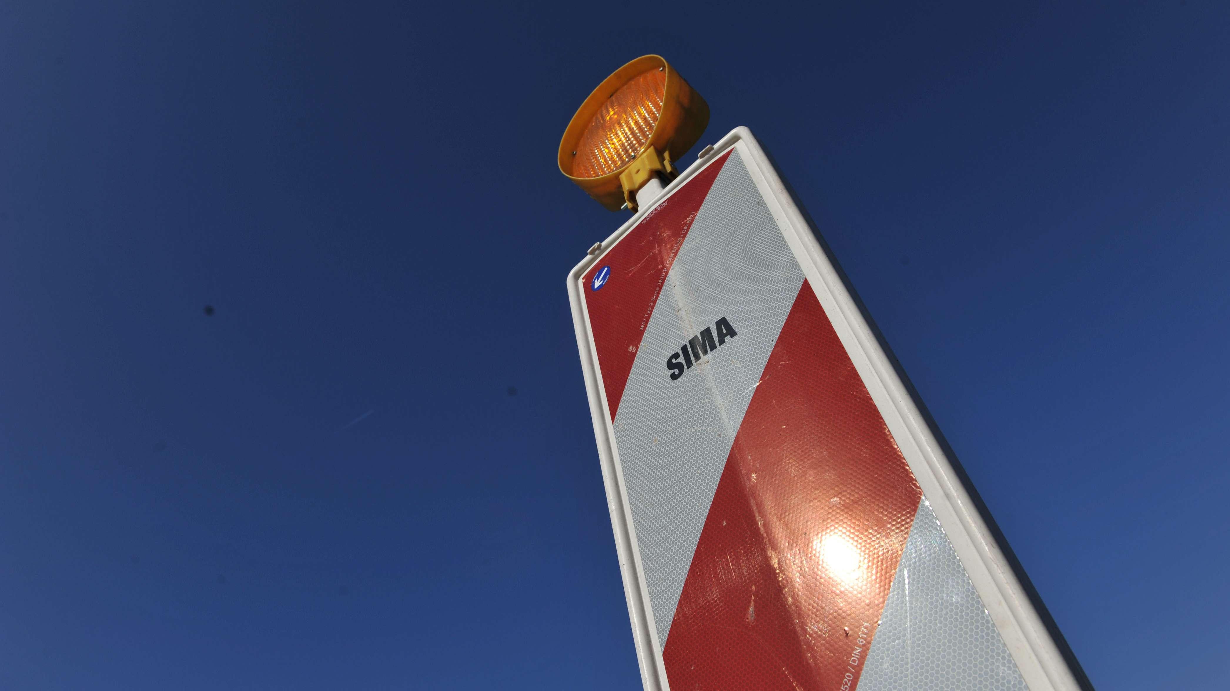 Zwischen den Anschlussstellen Mainburg und Wolnzach wird die A93 auf einer Länge von 17 Kilometern in beiden Fahrtrichtungen gesperrt.