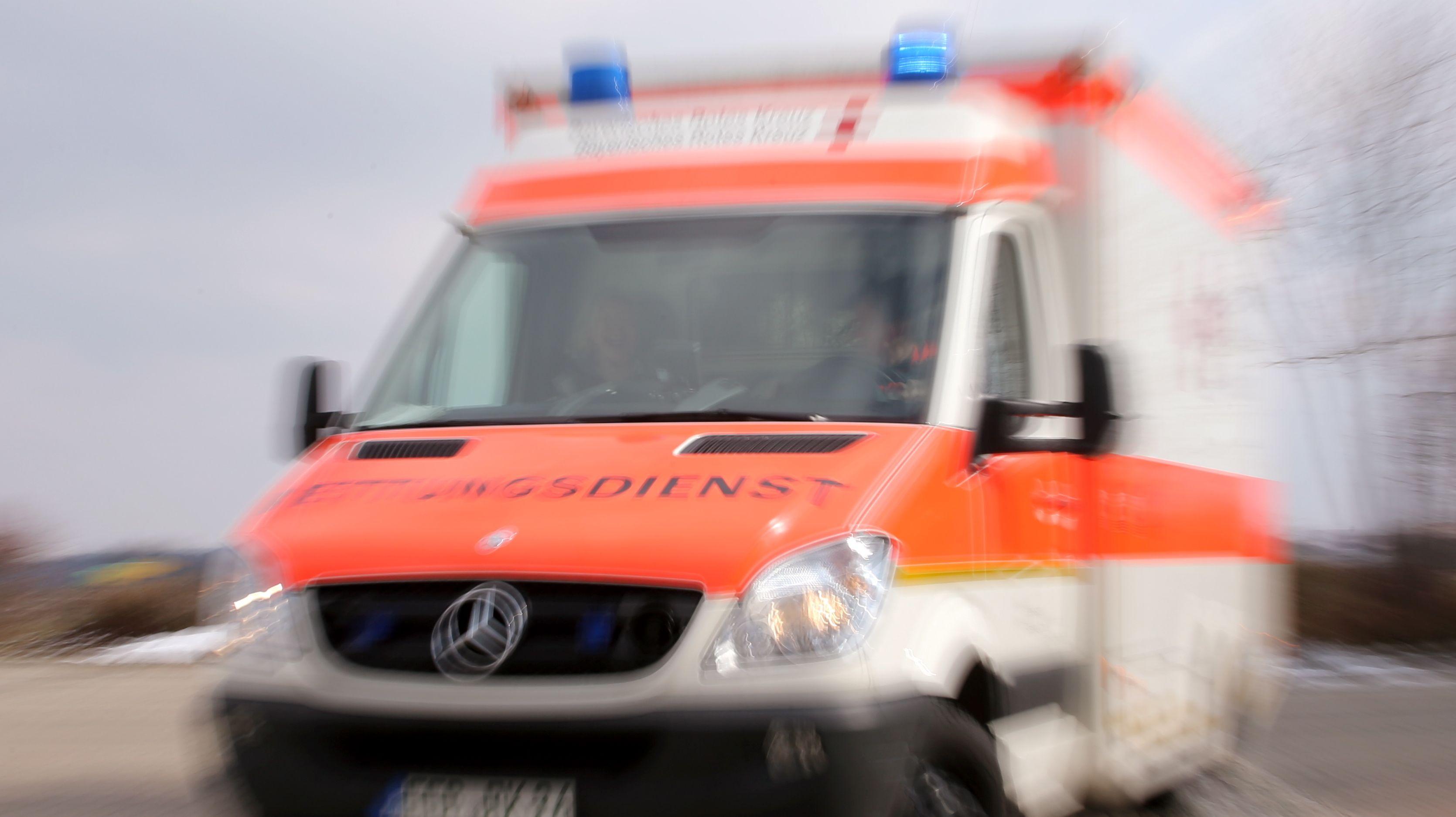 Symbolbild: Rettungswagen des BRK