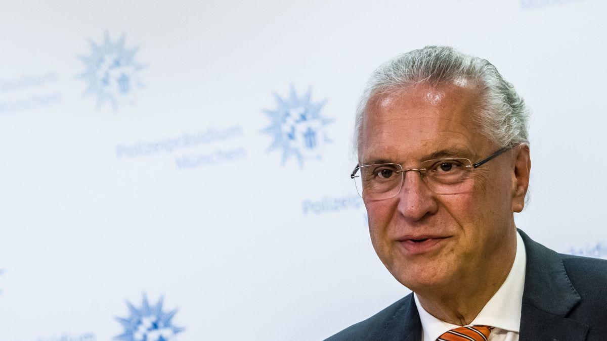 Bayerns innenminister Joachim Herrmann im Polizeipräsidium München