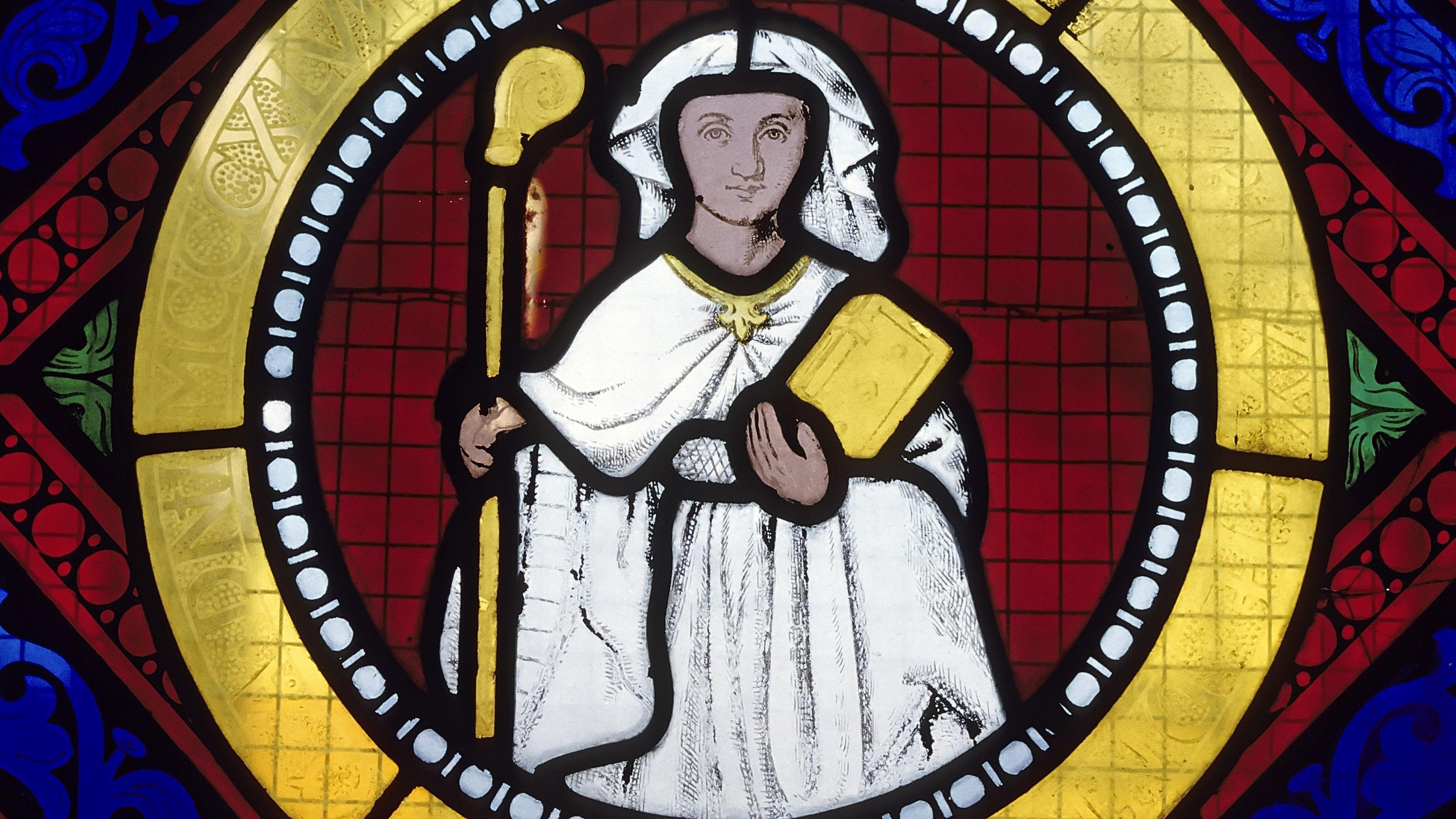 Historisches Glasfenster, Porträt einer Äbtissin, romanische Stiftskirche St. Cyriacus.