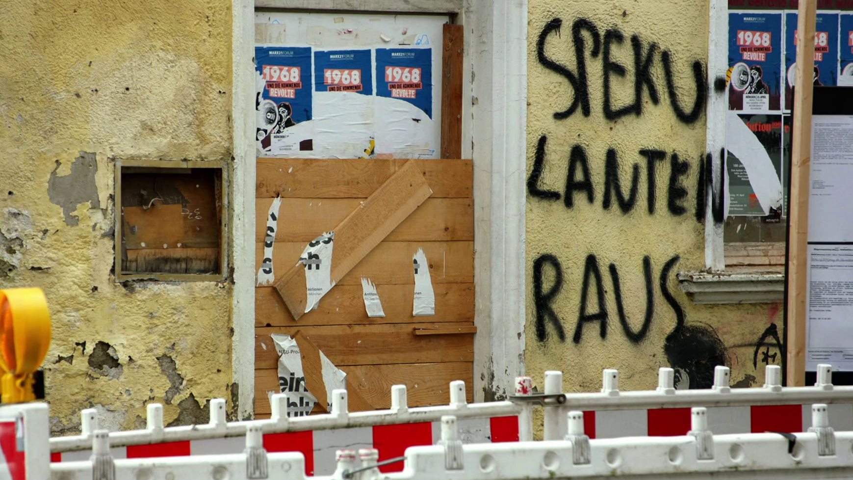 Schmiererei an Hauswand in München