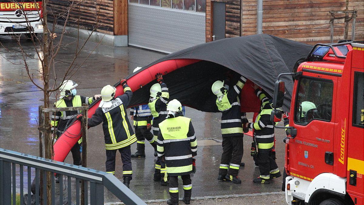 Harte Arbeit für die Feuerwehrleute